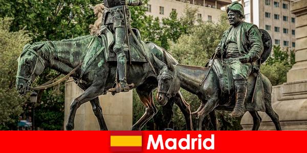 マドリードは美術館のすべての恋人のための群衆の引き手です