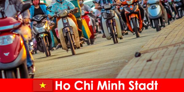 サイクリストやスポーツ愛好家の観光客のためのホーチミン市は常に喜び