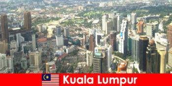 マレーシアのクアラルンプールアジア愛好家は何度も何度もここに来る