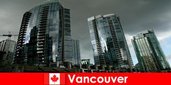 カナダのバンクーバーは常に見知らぬ人のための印象的な建物のための目的地です