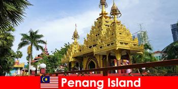 ペナン島の寺院の複合体で外国人観光客の経験のためのトップの経験