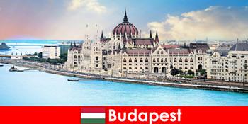 観光客のための多くの観光スポットとブダペストの美しい街