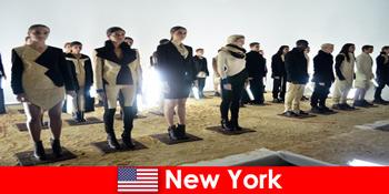 ニューヨークの有名な劇場地区への見知らぬ人のための文化的な旅