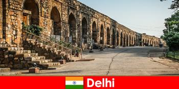 興味のある文化のホリデーメーカーのためのデリーインドの街のプライベートガイド付きツアー