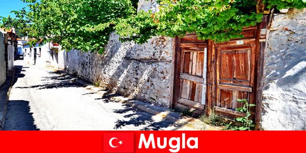 美しい村や親切な地元の人々はムグラトルコへの観光客を歓迎します