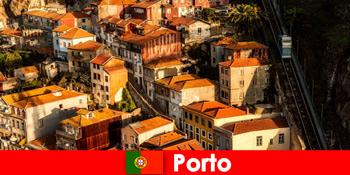 ポルトポルトガルの旧市街を散歩する週末