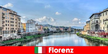 フィレンツェイタリアは多くの見知らぬ人のための都市をブランド