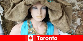 訪問者はトロントカナダの国際的な中心部に風変わりなお店のすべての種類を見つけるでしょう