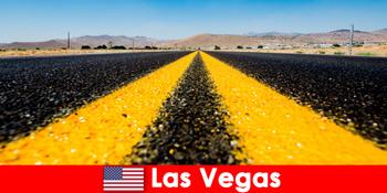 スリルアドベンチャーやスポーツアクティビティは、ラスベガスの米国で旅行者を体験